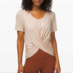 NWT Lululemon Do the Daily SS $64-Size 6